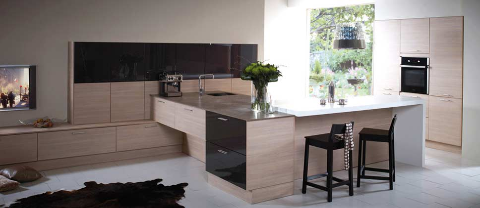 Fitted Kitchens & Kitchen Design Tips For Small Kitchens from Bon Accord Glass