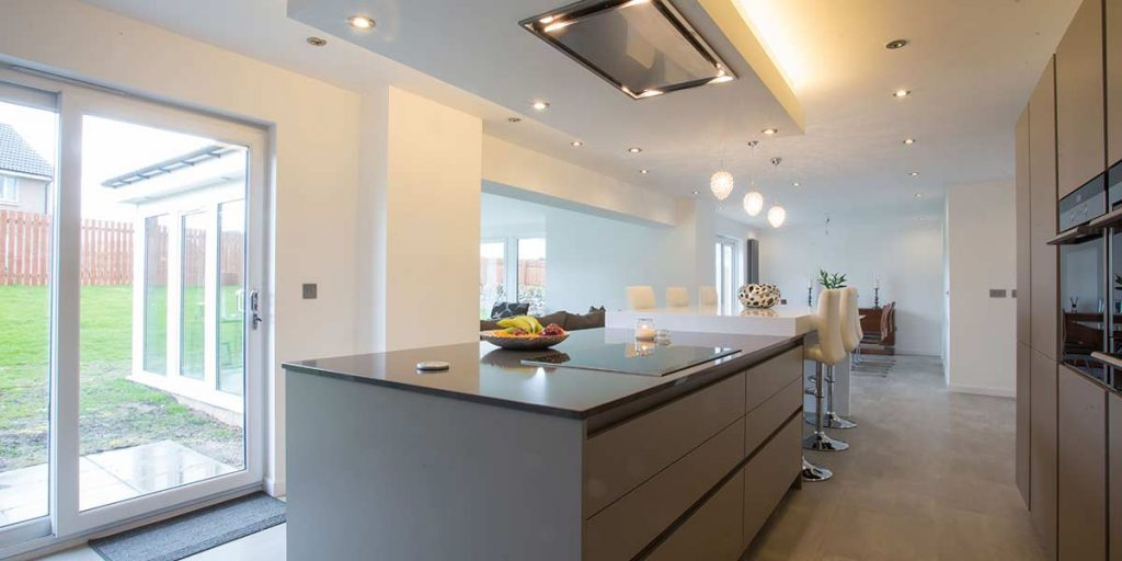 Modern Kitchen & Dining Area